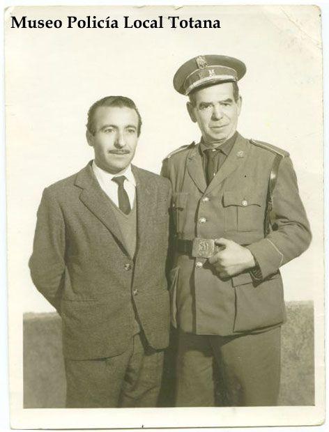 Cabo Andres Cayuela Andreo con un amigo 1.968