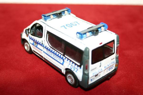 Vehiculo Miniatura Furgon Renault Traffic Policia Municipal de Madrid