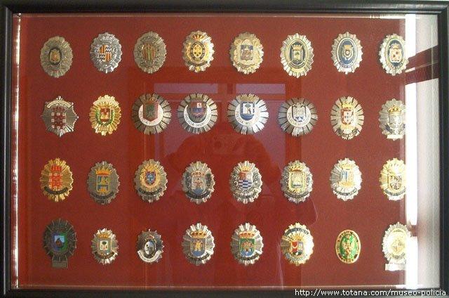 Placas metalicas surtidas Policias España