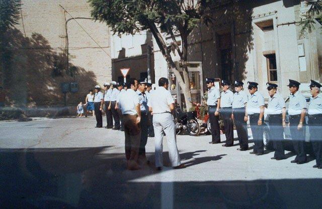 Policias Municipales de Totana en la puerta del Ayuntamiento.